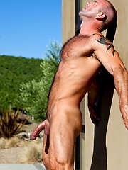 Muscle hairy hunk Vic Rocco naked, Added: 2012-07-04 by Colt Studio