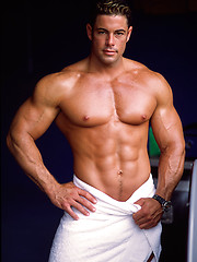 The return of the magnificent muscle hottie Ron Royce, Added: 2013-04-22 by Muscle Hunks