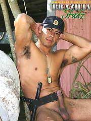 Alfonso Rosas posing outdoors, Added: 2011-09-06 by Brazilian Studz