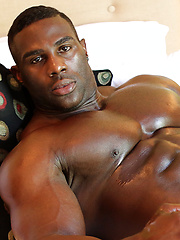 Aden Taylor - No Trouble with These Curves, Added: 2013-11-21 by Muscle Hunks