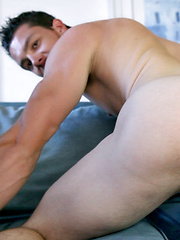 Nick Leblanc jacking off dick, Added: 2014-09-08 by Squirtz