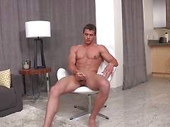 Paytonjacking off his muscle cock, Added: 2014-11-17 by French Dudes