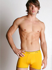 Justin Gaston, Added: 2014-12-05 by Foot Friends