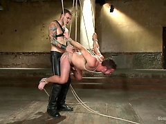 New muscle boy for Mr Wilde, Added: 2015-08-27 by Bound Gods